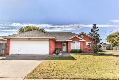 Lubbock Single Family Home Under Contract: 2519 79th Street