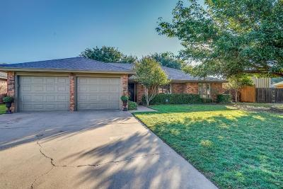 Lubbock Single Family Home For Sale: 8611 Knoxville Avenue