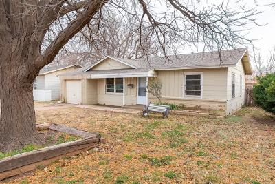 Lubbock County Single Family Home For Sale: 4627 Elgin Avenue