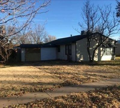 Bailey County, Lamb County Single Family Home Under Contract: 313 E 13th Street