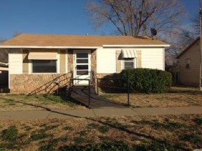 Single Family Home For Sale: 920 S 15th Street