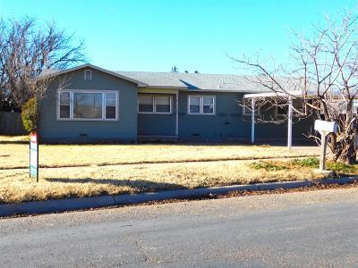 Bailey County, Lamb County Single Family Home For Sale: 306 E Cedar