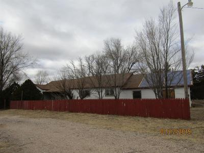 Bailey County, Lamb County Single Family Home For Sale: 1500 W Us Highway 84