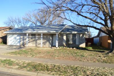Wolfforth Single Family Home Under Contract: 704 7th Street