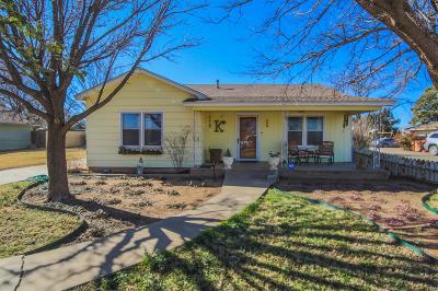 Bailey County, Lamb County Single Family Home For Sale: 308 Ave D
