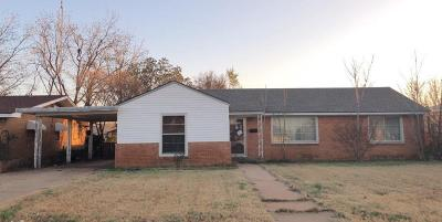 Brownfield Single Family Home For Sale: 912 E Oak Street