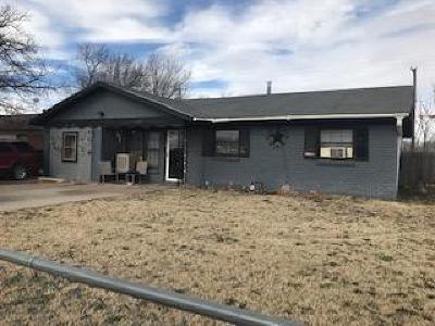 Single Family Home For Sale: 1827 E Auburn Street