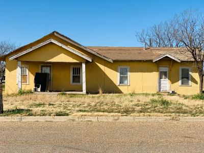 Slaton Single Family Home Under Contract: 855 S 8th Street