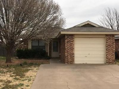 Lubbock County Single Family Home Under Contract: 8715 Vernon