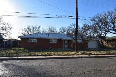 Bailey County, Lamb County Single Family Home For Sale: 611 S Sunset