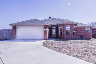 Lubbock TX Single Family Home Under Contract: $160,000