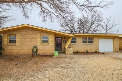 Lubbock Single Family Home Under Contract: 4913 46th Street