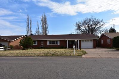 Littlefield Single Family Home For Sale: 202 E 23rd