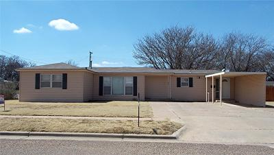 Abernathy Single Family Home Under Contract: 201 Ave L