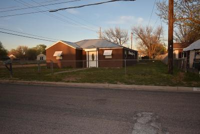 Bailey County, Lamb County Single Family Home For Sale: 1300 Monticello
