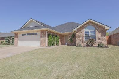 Single Family Home For Sale: 6406 93rd Street