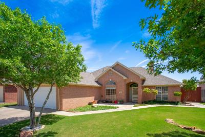 Wolfforth Single Family Home Under Contract: 207 Longhorn Boulevard