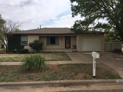 Abernathy Single Family Home Under Contract: 711 11th Street