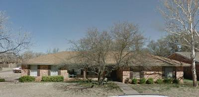 Brownfield, Meadow Single Family Home Under Contract: 1201 E Warren Street