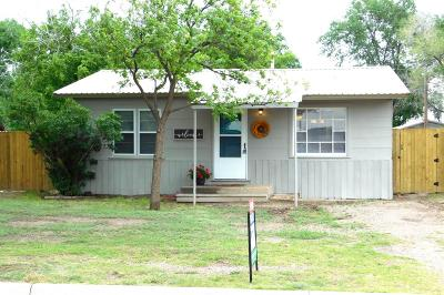 Bailey County, Lamb County Single Family Home Under Contract: 1810 W Ash
