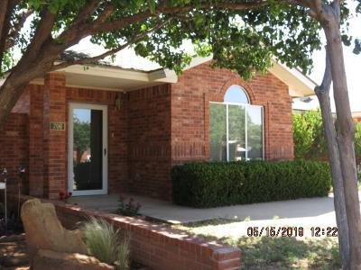 Brownfield, Meadow Garden Home For Sale: 706 S Howell Street
