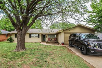 Lubbock Single Family Home For Sale: 6911 Lynnhaven Drive