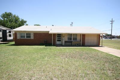 Lubbock County Single Family Home Under Contract: 5037 52nd Street