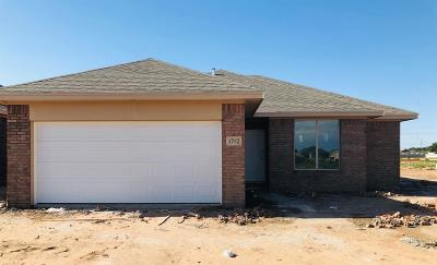 Lubbock Single Family Home For Sale: 1712 99th Place