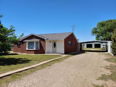 Bailey County, Lamb County Single Family Home For Sale: 1613 W Farm Road 54