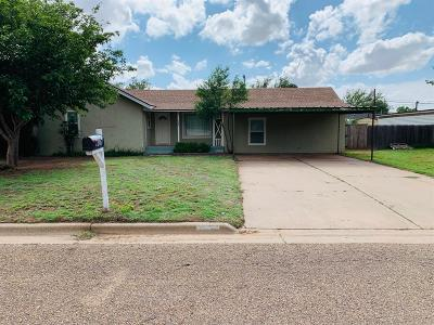 Abernathy Single Family Home Under Contract: 1207 Ave G