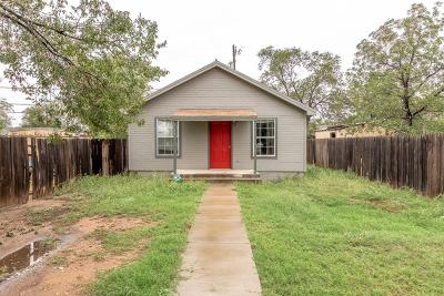 Lubbock County Single Family Home Under Contract: 3212 Duke