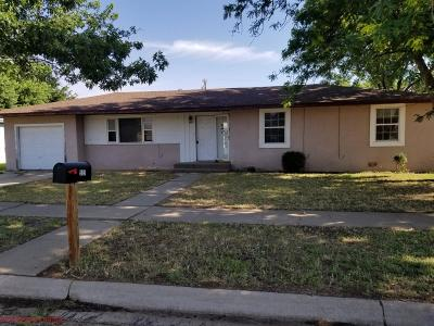 Single Family Home For Sale: 909 W 9th Street