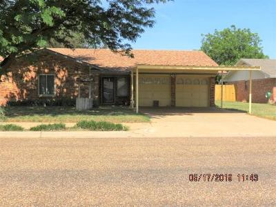 Brownfield Single Family Home For Sale: 1301 S Pecos Street