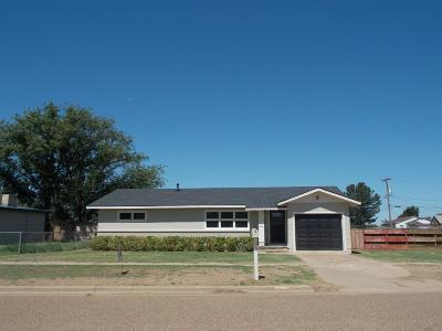 Abernathy Single Family Home Under Contract: 207 S Ave E