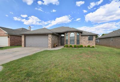 Single Family Home For Sale: 1003 Oshkosh Avenue