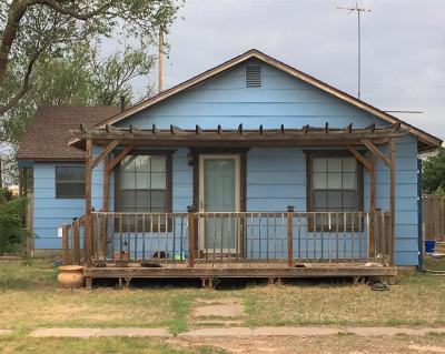 Single Family Home For Sale: 303 Edwards