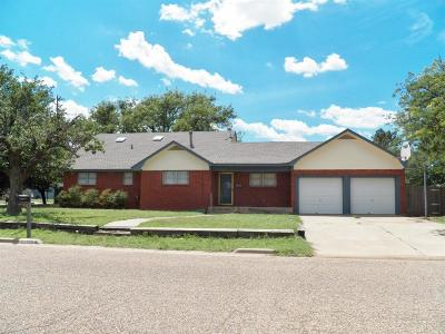 Abernathy Single Family Home For Sale: 1301 Ave G