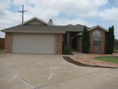 Lubbock TX Single Family Home Under Contract: $139,000