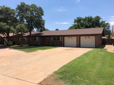 Single Family Home For Sale: 210 Redwood Lane