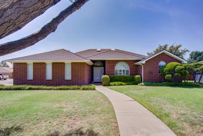 Idalou Single Family Home Contingent: 809 Cedar Avenue