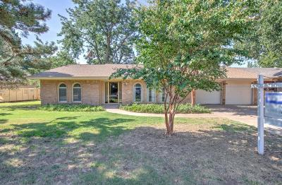 Single Family Home For Sale: 6104 Lynnhaven Drive