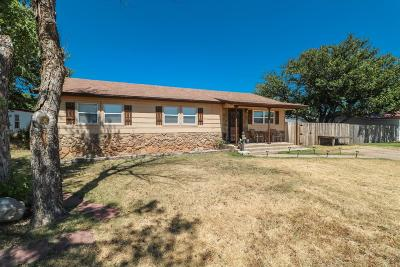 Bailey County, Lamb County Single Family Home Under Contract: 1505 Cook Street