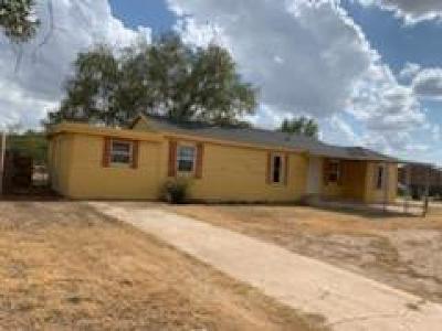 Slaton Single Family Home For Sale: 1105 E Geneva Street
