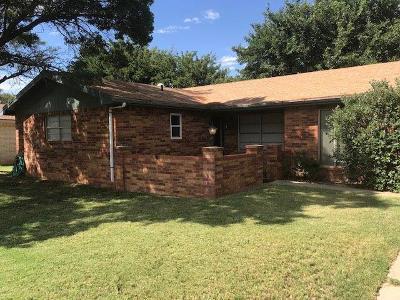 Seminole Single Family Home For Sale: 904 SW 9th