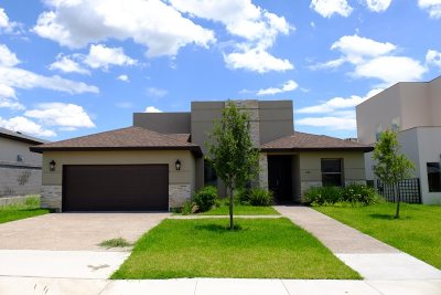 Laredo TX Single Family Home For Sale: $299,000