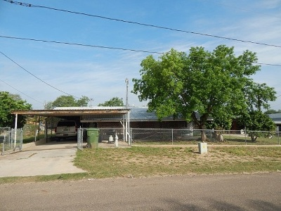 Zapata County Single Family Home For Sale: 1703 Roma Ave