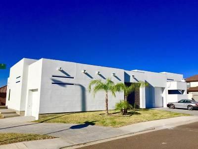 Laredo Single Family Home For Sale: 7601 Agatha Christie