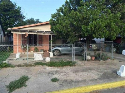 Laredo Single Family Home Active-Exclusive Agency: 3917 Flores Ave