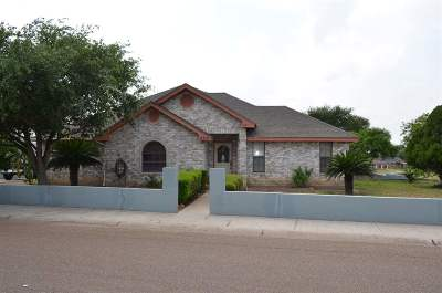Zapata Single Family Home For Sale: 2315 Lago Vista Dr.