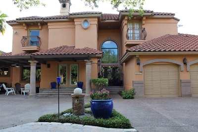 Laredo Single Family Home For Sale: 2602 Burke Dr
